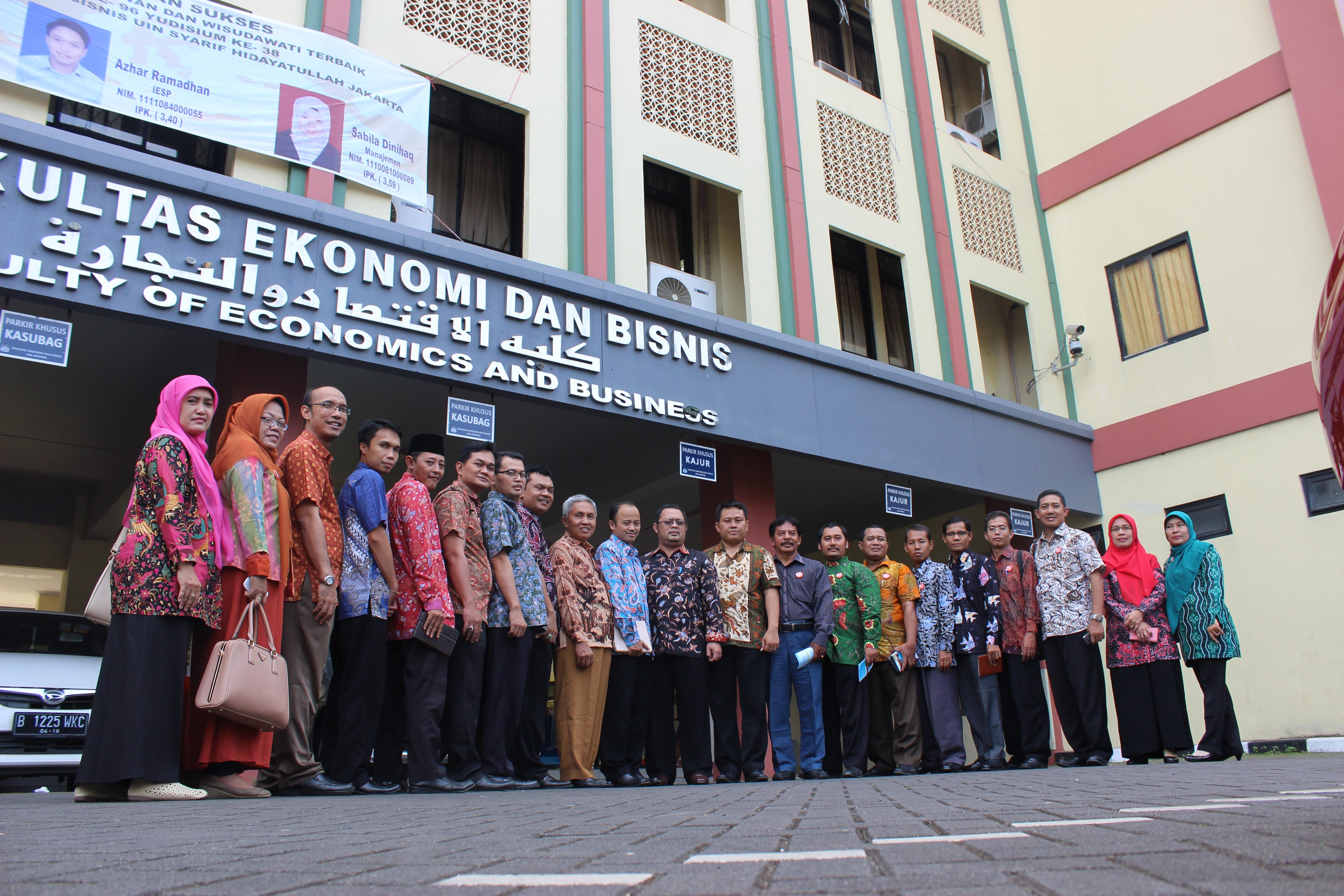 FEBI UIN Walisongo Kunjungi FEB UIN Jakarta dan STEI Tazkia