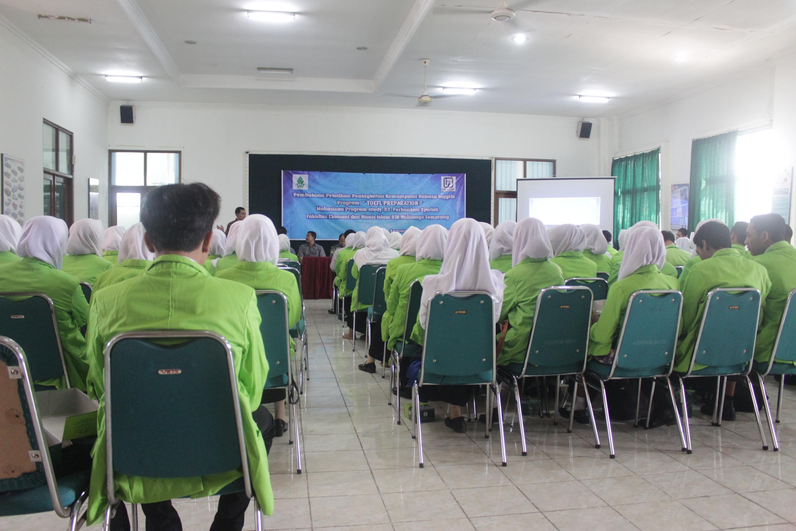Prodi D3 Perbankan Syariah Bersama LP3I Course Center Menyelenggarakan  Program  TOEFL Preparationa Bagi Mahasiswa