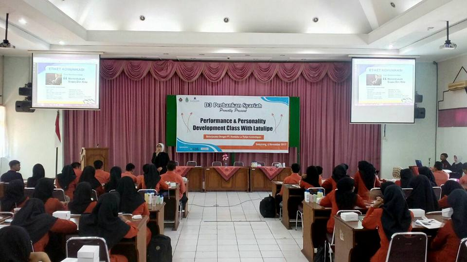 Performance & Personality Development Class Prodi D3 Perbankan Syariah