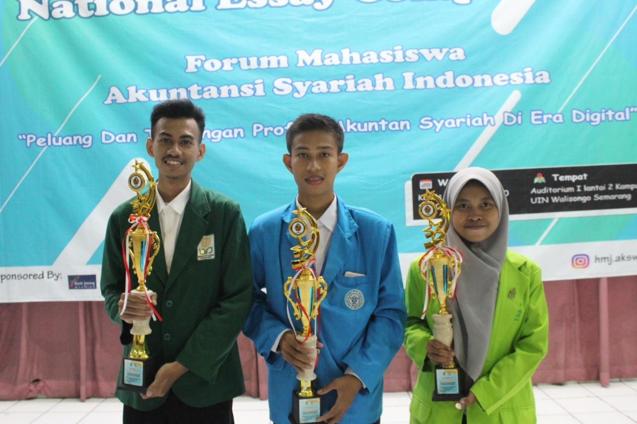 Mahasiswa Akuntansi Syariah FEBI UIN  Walisongo raih Juara 3 dalam Essay National Competition
